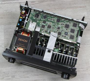 Denon-AVR-X6200W-Innenleben-Gesamt